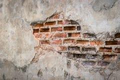 Fundo envelhecido da parede da rua, fundo velho da textura do tijolo vermelho Imagem de Stock Royalty Free