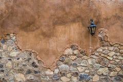 Fundo envelhecido da textura da parede da rua Imagem de Stock Royalty Free