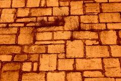 Fundo exterior da cor da grama histórica da parede do bloco da pedra calcária Fotos de Stock Royalty Free