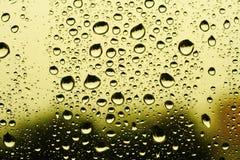 Fundo feito de gotas da água no vidro Foto de Stock