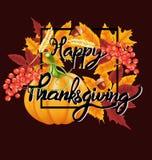 Fundo feliz da celebração da ação de graças Abóbora, folhas, Rowan Berries, bolotas Imagem de Stock Royalty Free