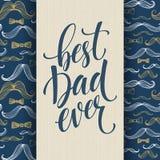 Fundo feliz do dia de pais com rotulação do cumprimento e teste padrão do bigode Ilustração do vetor ilustração royalty free
