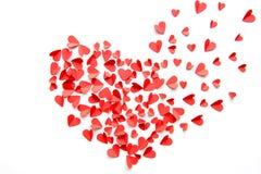 Fundo festivo feito do montão da decoração vermelha dos corações Fotografia de Stock Royalty Free
