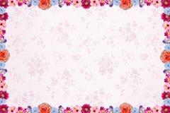 Fundo floral com luz - teste padrão do nostalgig e flor cor-de-rosa f Imagens de Stock Royalty Free