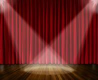 Fundo iluminação na fase cortina vermelha e fundo de madeira do interior do assoalho Imagem de Stock