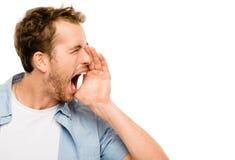 Fundo irritado do branco do grito do homem da gritaria Fotos de Stock