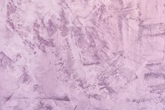 Fundo lil?s claro abstrato Textura da parede emplastrada desigual Massa de vidraceiro com manchas e aspereza A base para fotos de stock