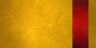 Fundo luxuoso do ouro com o painel vermelho do sidebar ou listra da fita na beira Imagem de Stock Royalty Free