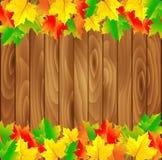 Fundo natural com placa de madeira e outono Foto de Stock Royalty Free