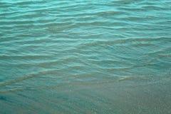 Fundo natural da textura da água do mar fotografia de stock