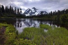 Fundo noroeste pacífico de Washington State Hiking Climbing Landscape Waterscape Imagens de Stock Royalty Free