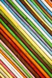 Fundo oblíquo das listras Varas de madeira coloridas Fotografia de Stock