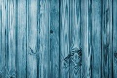 Fundo ou textura de madeira original do pinho Linhas verticais azuis Imagens de Stock