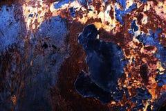 Fundo oxidado metálico com a pintura velha gasto e riscada com corrosão imagens de stock royalty free