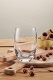Fundo para a sobremesa com vidro vazio Imagens de Stock