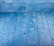 Fundo para um cartão do convite ou umas felicitações Fundo horizontal azul de madeira das placas Esvazie para o projeto imagem de stock