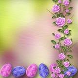 Fundo pastel com ovos coloridos e rosas Fotografia de Stock