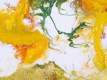 Fundo pintado à mão abstrato verde, vermelho e amarelo, acrílico Fotografia de Stock Royalty Free