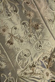 Fundo próximo acima da tela e da perolização do vestido de casamento do vintage Fotografia de Stock
