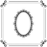 Fundo preto e branco do vintage com quadro oval Fotografia de Stock Royalty Free