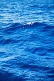 Fundo profundo da água azul no azul Imagens de Stock