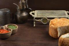 Fundo rústico velho do alimento com pão e molho Foto de Stock