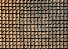 Fundo resistido velho do teste padrão do telhado da telha Fotografia de Stock Royalty Free