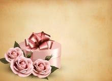 Fundo retro do feriado com rosas e o presente cor-de-rosa  Imagens de Stock Royalty Free