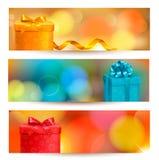 Fundo retro do feriado com sagacidade azul da fita do presente Fotos de Stock Royalty Free