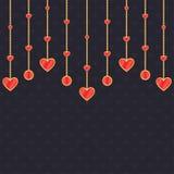 Fundo romântico com ouro e corações vermelhos Fotos de Stock