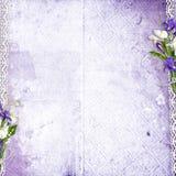 Fundo roxo com flores Imagens de Stock