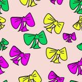 Fundo sem emenda bonito com curvas coloridas tiradas mão no fundo isolado cor-de-rosa pastel ilustração da garatuja ilustração stock