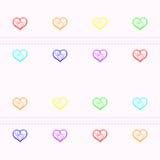 Fundo sem emenda com fileiras horizontais dos corações em cores do arco-íris e em listras cor-de-rosa Fotografia de Stock Royalty Free