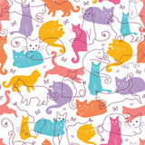 Fundo sem emenda do teste padrão dos gatos coloridos ilustração do vetor