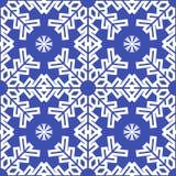 Fundo sem emenda dos flocos de neve azuis do Natal Imagens de Stock Royalty Free