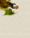 Fundo Textured com frasco de vinho foto de stock royalty free
