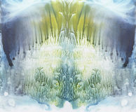 Fundo vívido do symmetryc Aquarela azul, verde e amarela Pintura abstrata fotos de stock royalty free