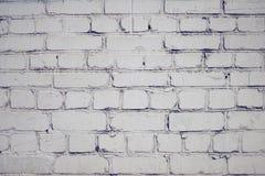Fundo vazio com a superfície do tijolo, pintada com pintura branca imagens de stock