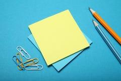 Fundo vazio do bloco de notas, placa do papel de negócio da cor fotografia de stock