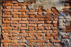 Fundo velho da parede de tijolo imagens de stock royalty free