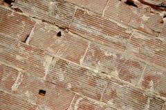 Fundo velho da parede dos tijolos grandes, linhas diagonais Imagens de Stock Royalty Free