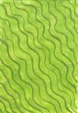 Fundo verde com as listras verdes onduladas imagens de stock royalty free
