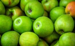 Fundo verde das maçãs Foto de Stock Royalty Free