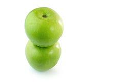 Fundo verde do branco do isolado das maçãs Fotografia de Stock