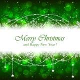 Fundo verde do Natal com flocos de neve e estrelas Imagens de Stock