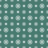 Fundo verde sem emenda dos flocos de neve brancos do Natal Foto de Stock Royalty Free