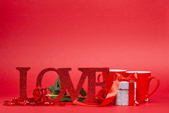 Fundo vermelho com sinal do amor Fotografia de Stock