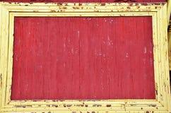 Fundo vermelho de madeira do palácio de Mandalay em Mandalay, Myanmar Fotos de Stock