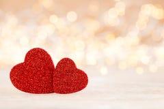 Fundo vermelho do bokeh do coração, cartão do dia de são valentim foto de stock royalty free