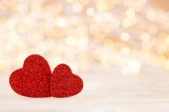 Fundo vermelho do bokeh do coração, cartão do dia de são valentim imagem de stock royalty free